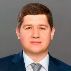 Максим Дрожжин, практикующий юрист, судебный представитель.