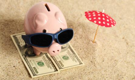 Замена отпуска денежной компенсацией: правила 2021